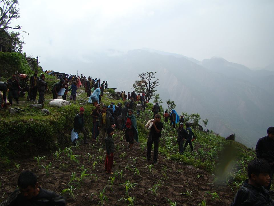 Aid distribution in Gorkha