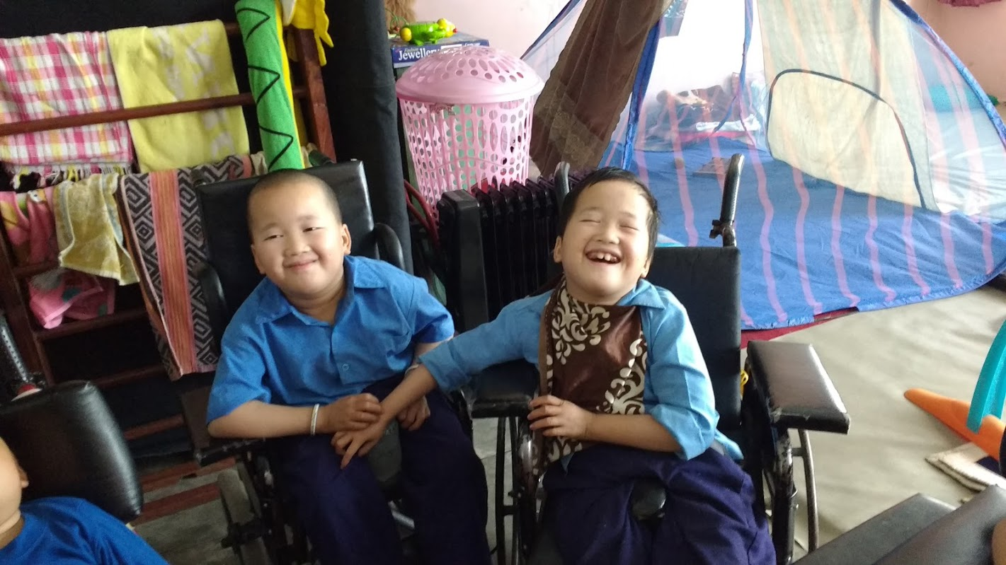 Photos of our visit to Ngoenga school for Tibetans with special needs, India
