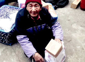 Tibet Matters Annual Review: Thanks to your donations elderly Tibetans get cosy winter clothes